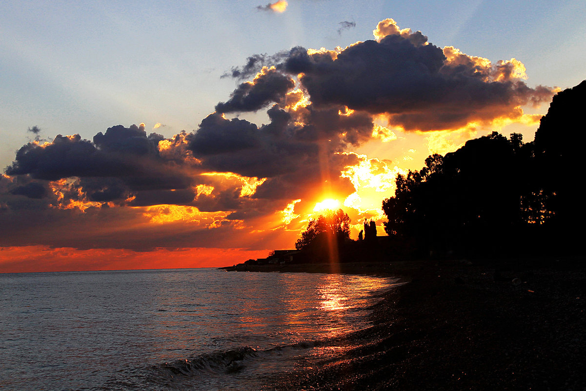 Закат на Черном море. Абхазия - Tasha