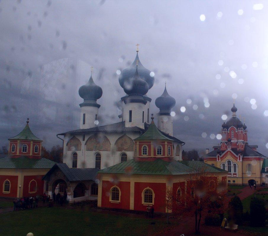 Дождь красоту не скроет.. - Vladimir Semenchukov