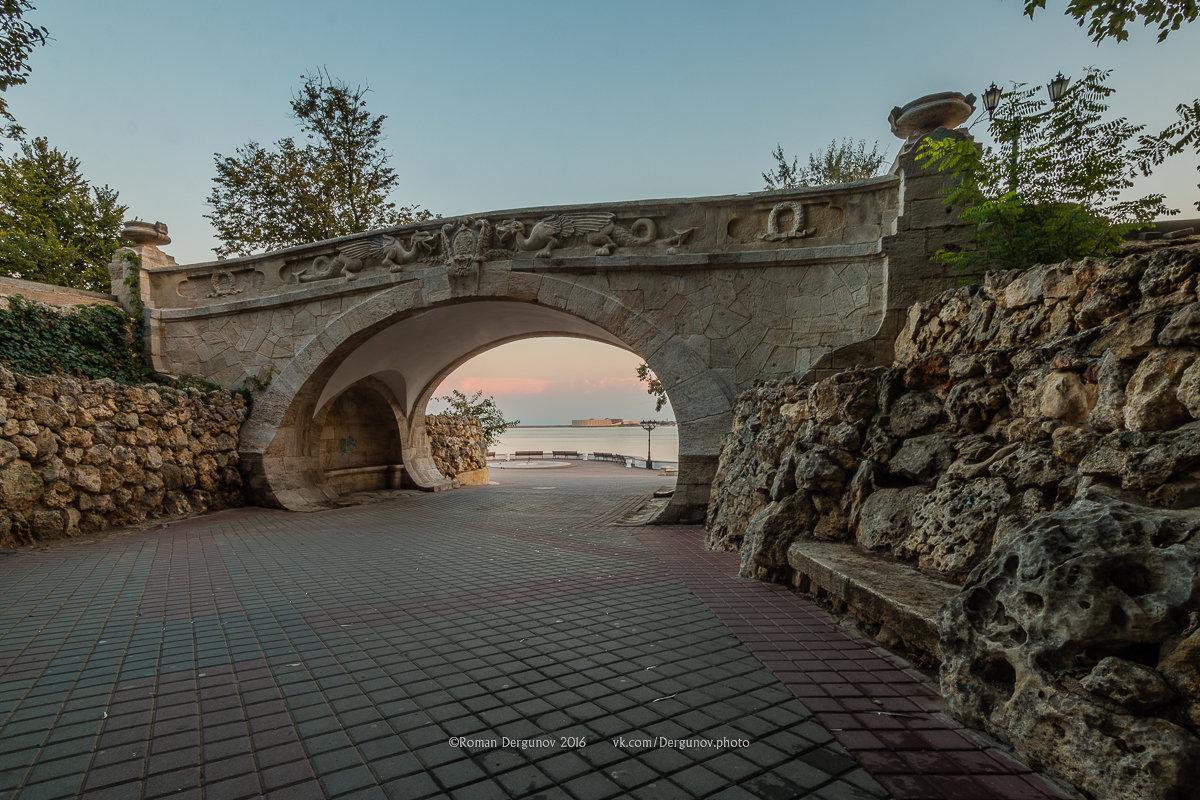 Мостик влюбленных (драконий мостик), Севастополь - Roman Dergunov