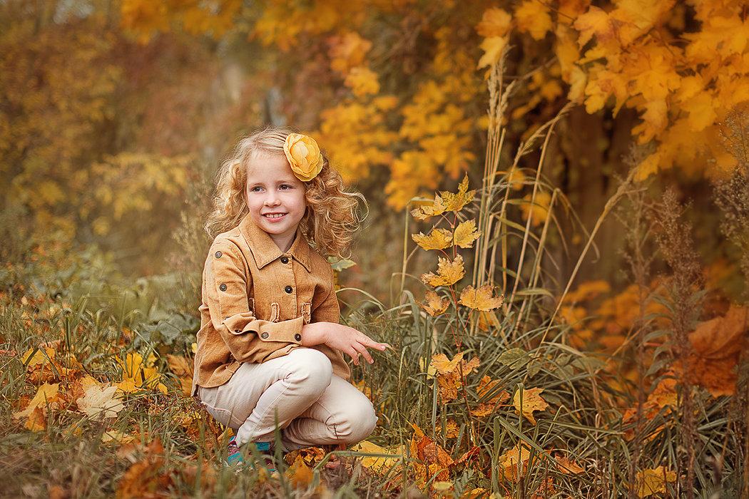 Портрет девочки осенью - Любовь Белугина