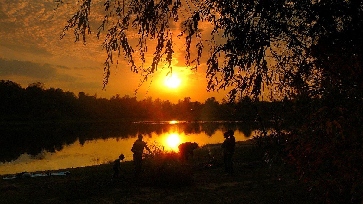 последний теплый вечер этой осени - Александр Прокудин