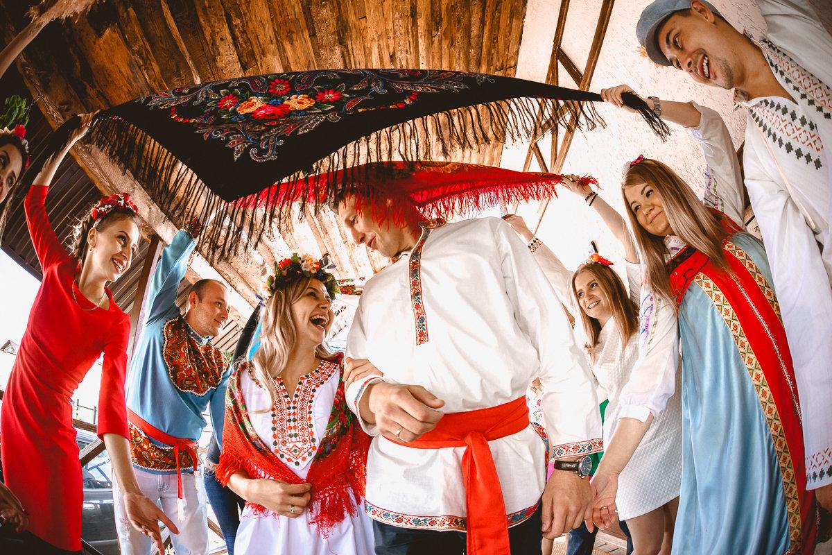 В русском народном стиле - Андрей Липов