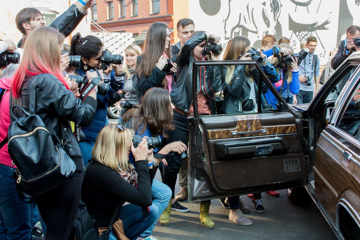 В ожидании модели - Дмитрий Шишкин
