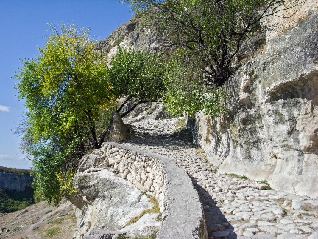 Дорога к южным Малым воротам(Кучук-Капу) - Варвара