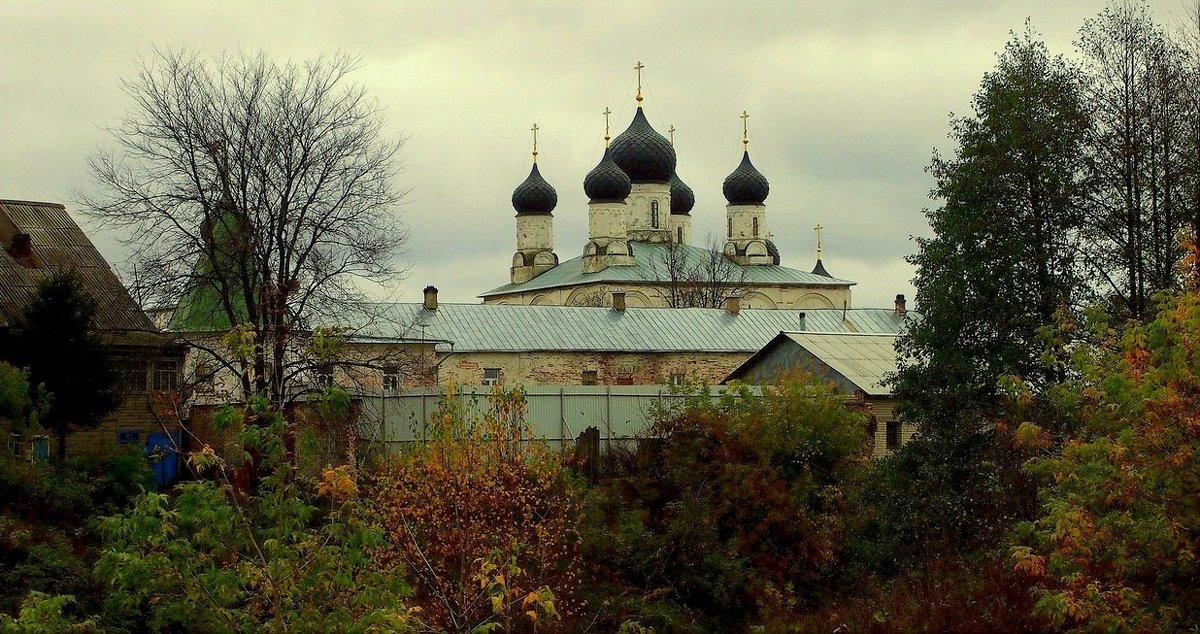 В уездном городе М. - Надежда Бахолдина