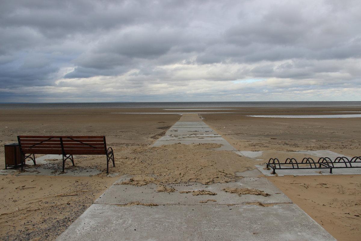 Опустевший пляж - Дария Хаус