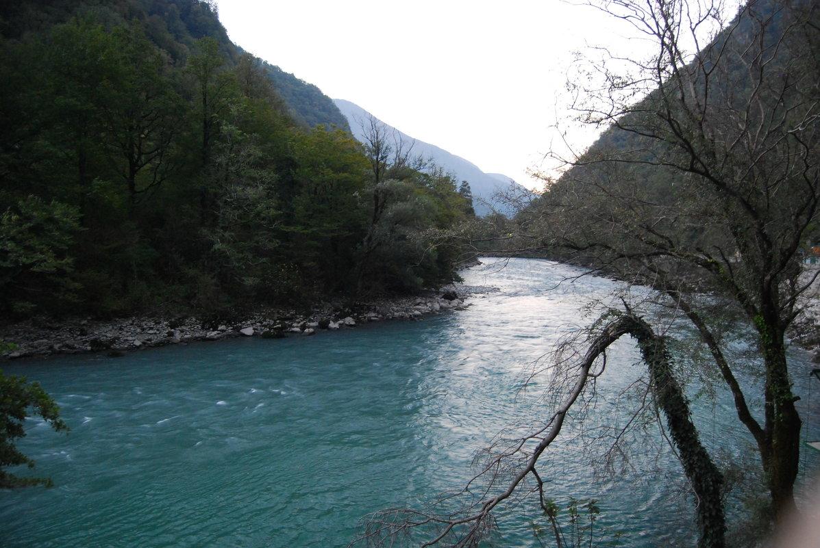 Река и горы - Нелли *