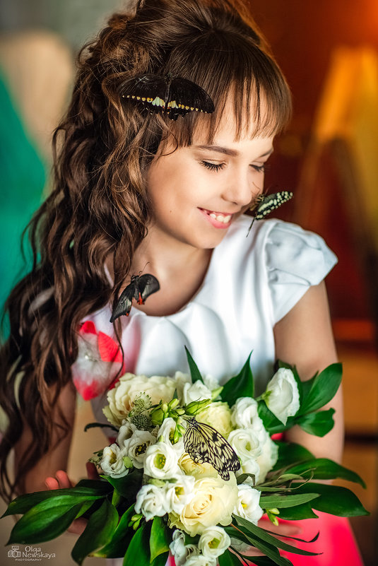 Девочка и бабочки - Ольга Невская