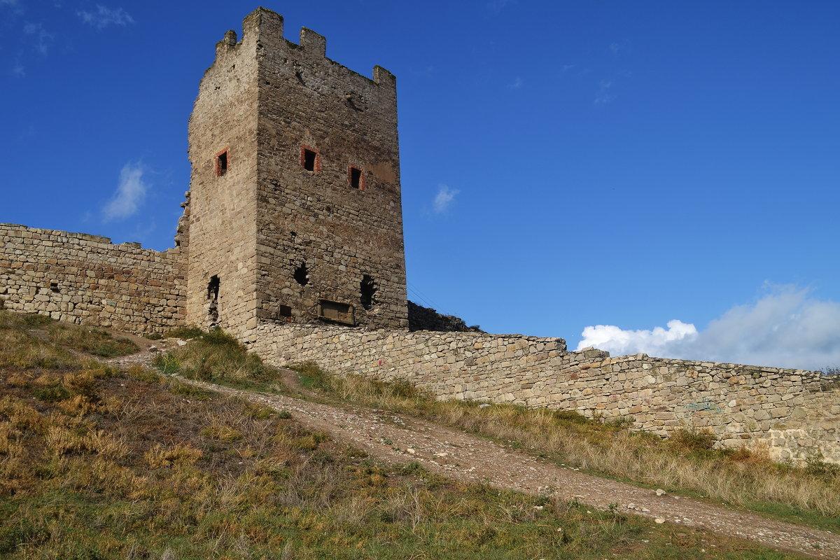 Генуэзская крепость - Сергей