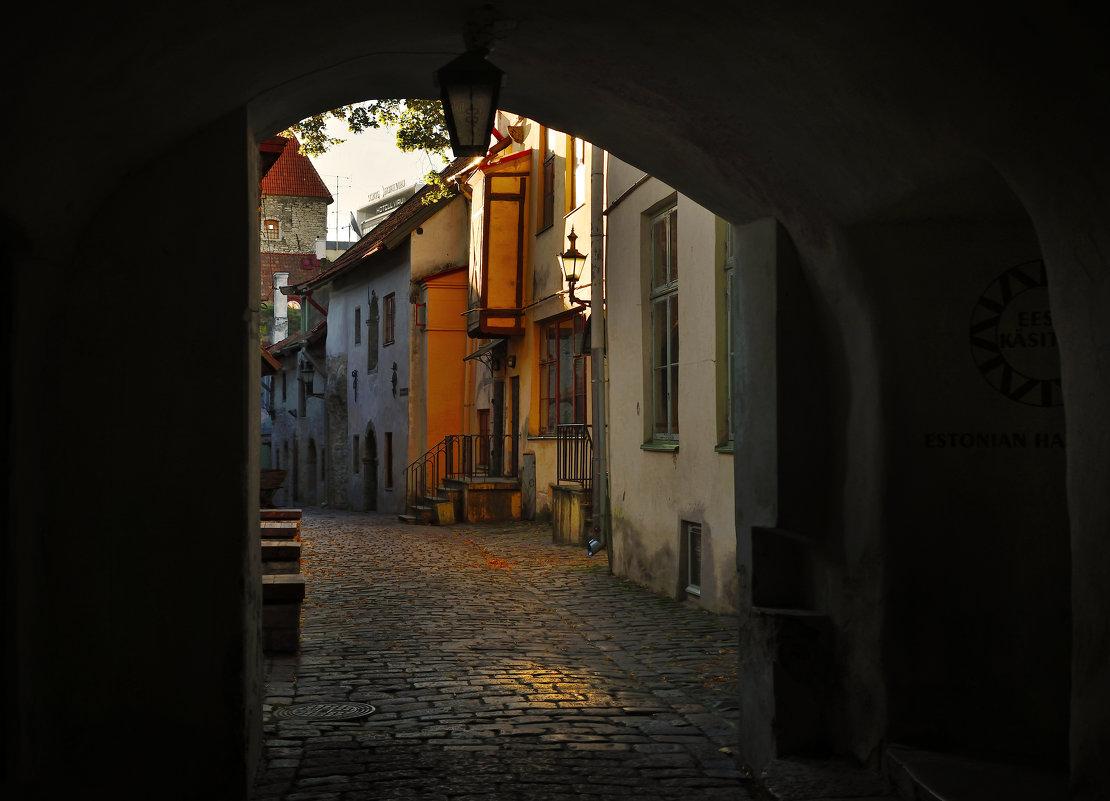 Переулок - Дмитрий Близнюченко