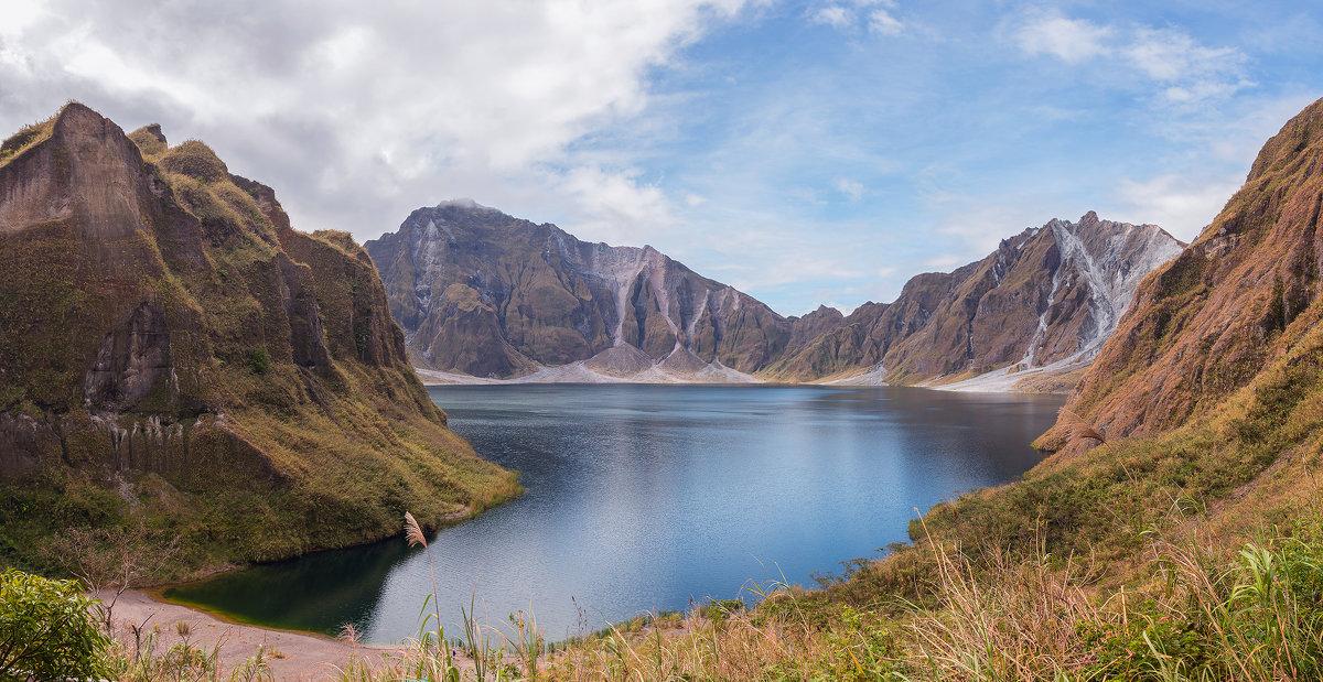 вулкан Пинатубо - Надежда Шемякина