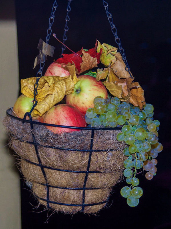 Яблочный натюрморт - Viktor Heronin