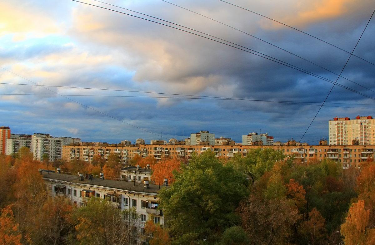 осенний вечер из окна.......))) - Sergey Ganja