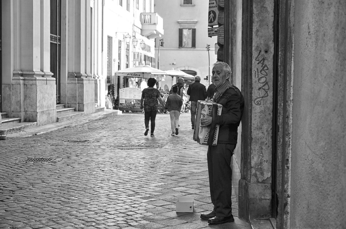 Музыкант. Рим. Италия - Ольга Кан
