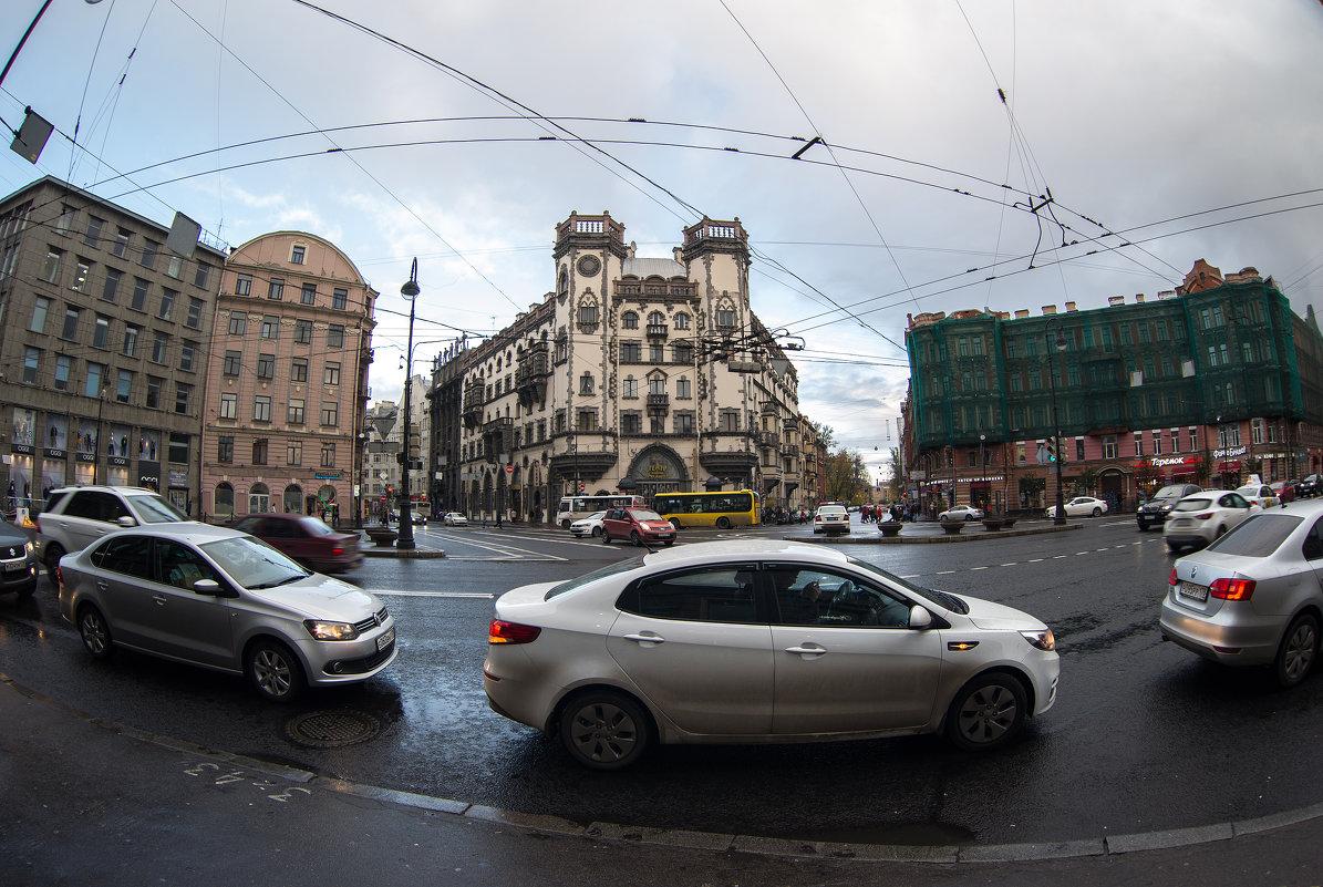 Площадь Льва Толстого - Михаил Вандич