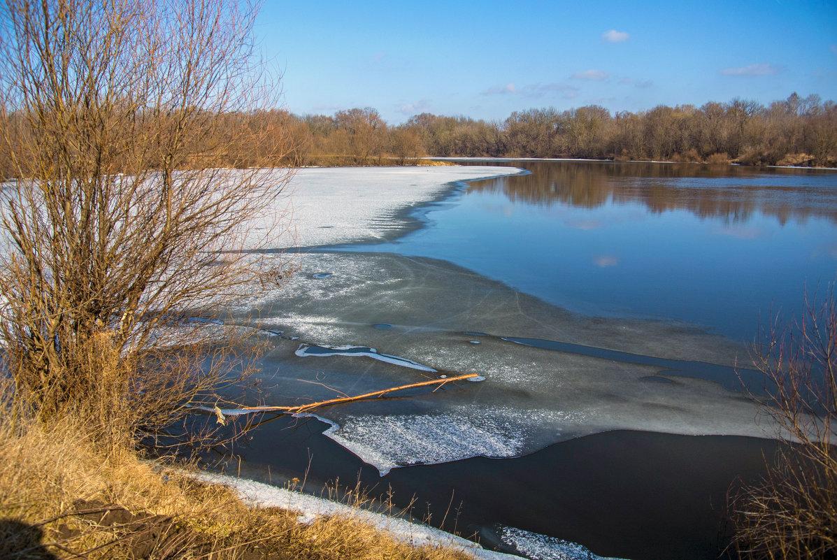 Весна. Последний лёд на реке - Дубовцев Евгений