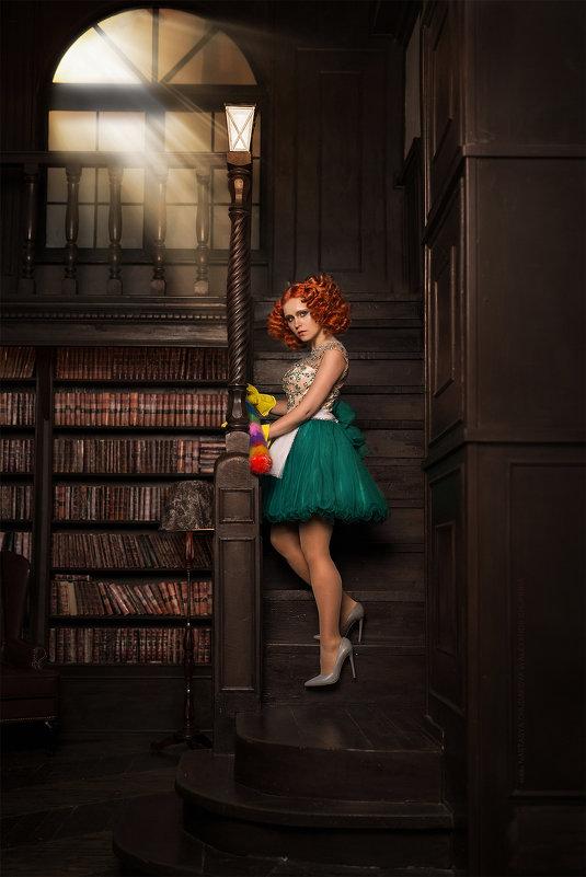 Seductive Lady's maid - Александр Чуприна