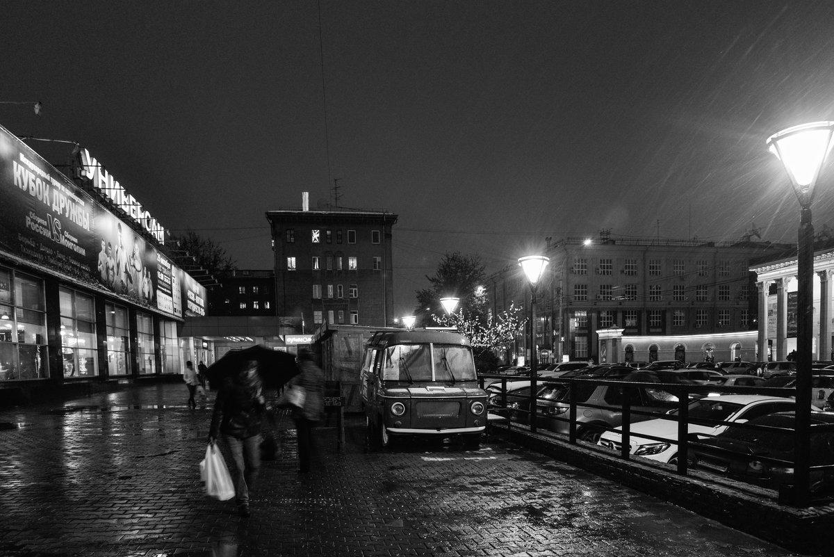 Ночь, снег, кофейня на колесах - cfysx