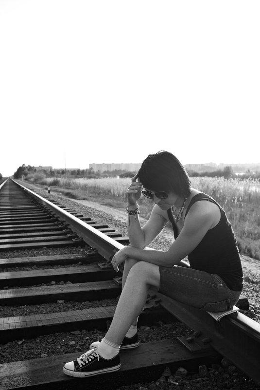 Девушка на рельсах - Александр Тырлов