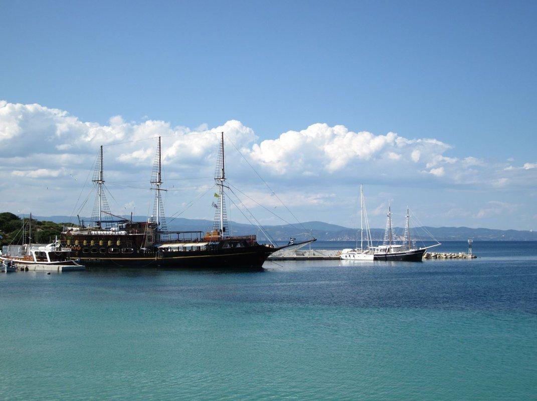 Пиратский корабль на рейде - ponsv