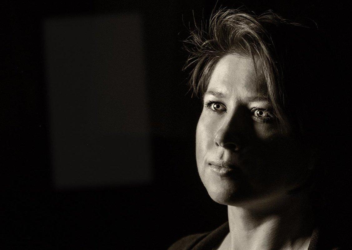 Когда невзначай замечаешь там - далеко - свет маяка - Ирина Данилова