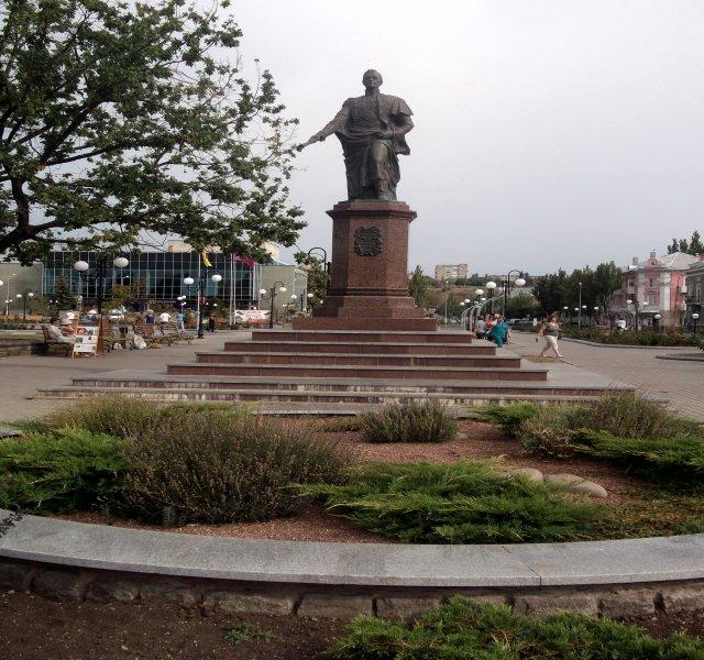 Памятник графу Воронцову в г. Бердянске - Svetlana Lyaxovich