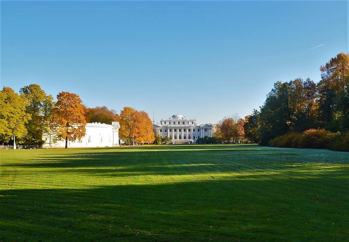 Елагин дворец и осень... - Sergey Gordoff