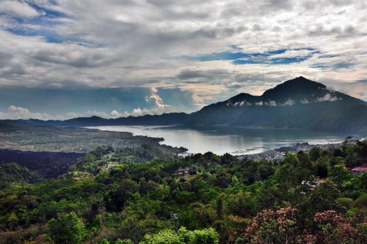 Озеро. Бали - Елена