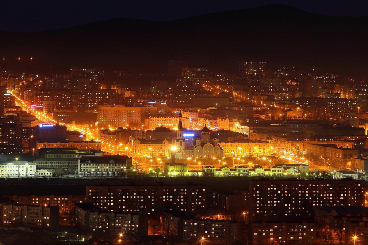 Чита в золоте вечерних огней. Вид на центр города с Титовской сопки. - Александр Киргизов