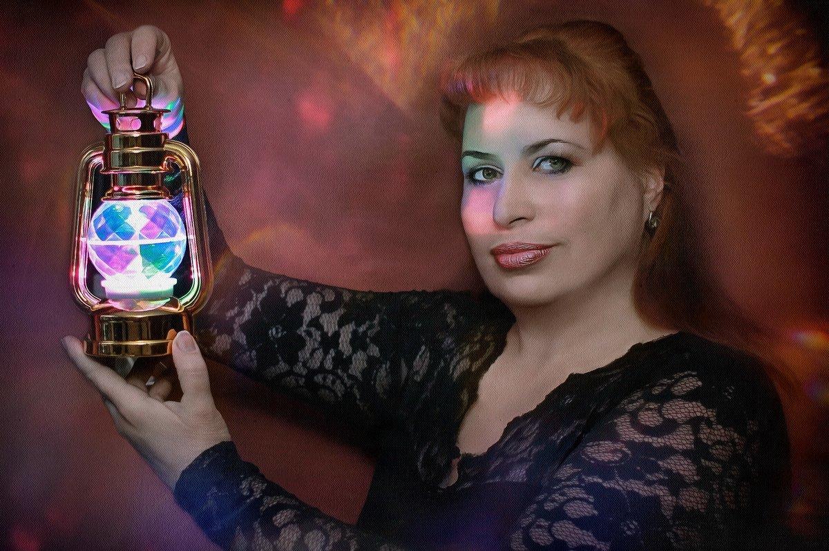 Откуда Музыки звучанье? Откуда Слова первый звук? Везде и всюду изначальный, Волшебный свет - сердеч - ALISA LISA