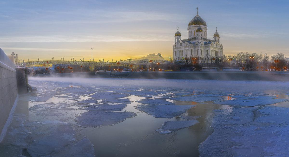 Храм Христа Спасителя в День Рождества Христова - Борис Гольдберг