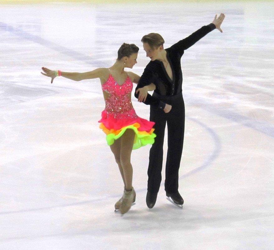 Танцы на льду - Александр Михайлов