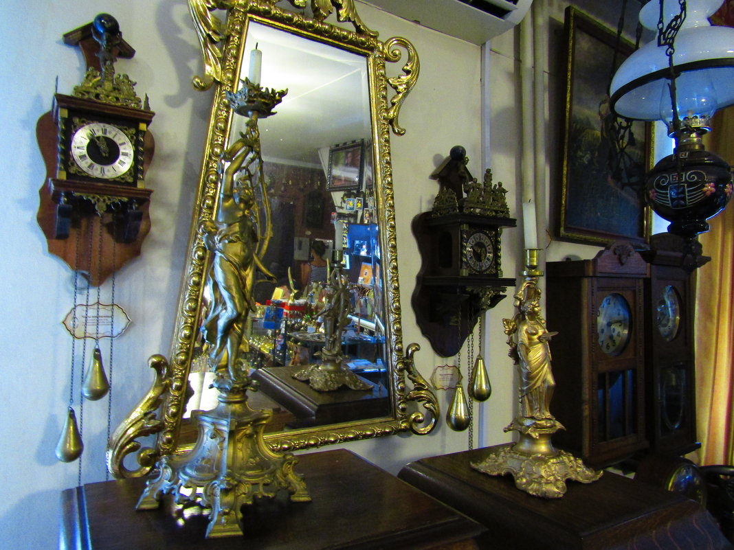 С той стороны зеркального стекла... - Дмитрий