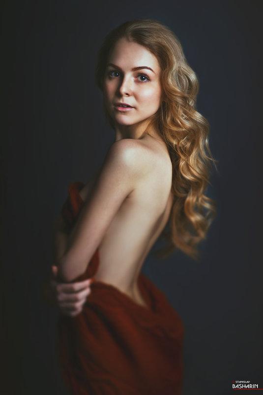 Модель: Ирина Семёнова. - Станислав Башарин
