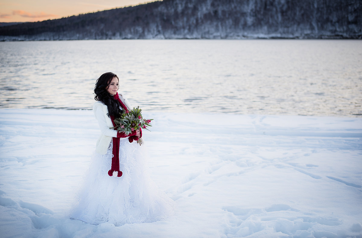 Снежная - Анастасия Иванова