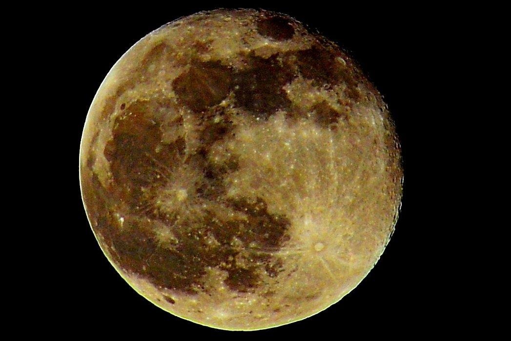 Луна. - Алексей Жуков