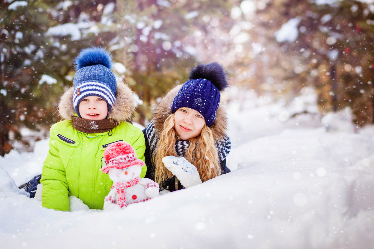 Дети в снегу - Алла Мещерякова