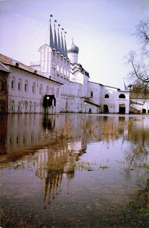 Тихвинский Богородичный Успенский монастырь - Сергей Кочнев