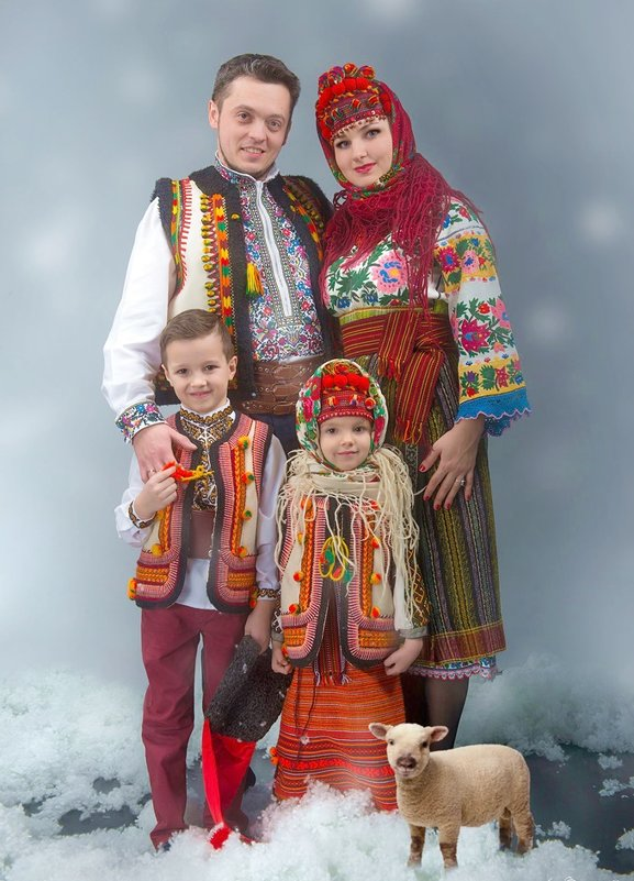 Українська родина на свята - Степан Карачко