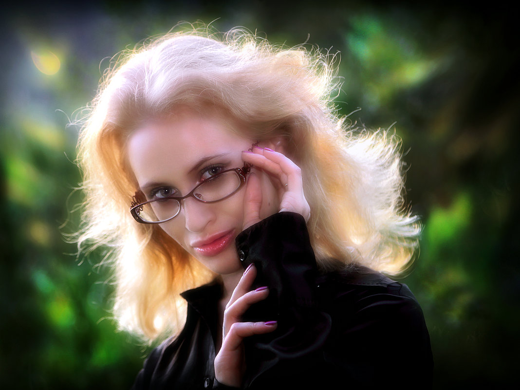 Девушка в очках... - Андрей Войцехов