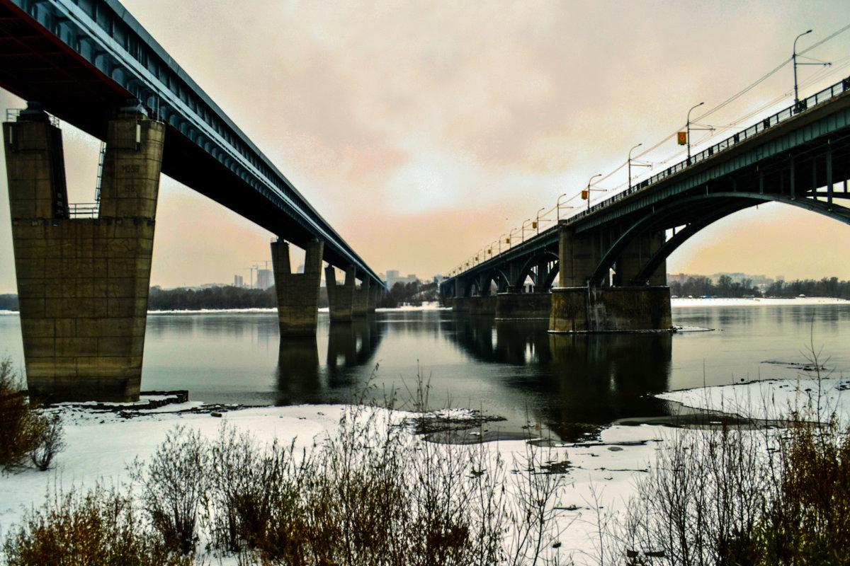 Между двух мостов - Анастасия Михалева
