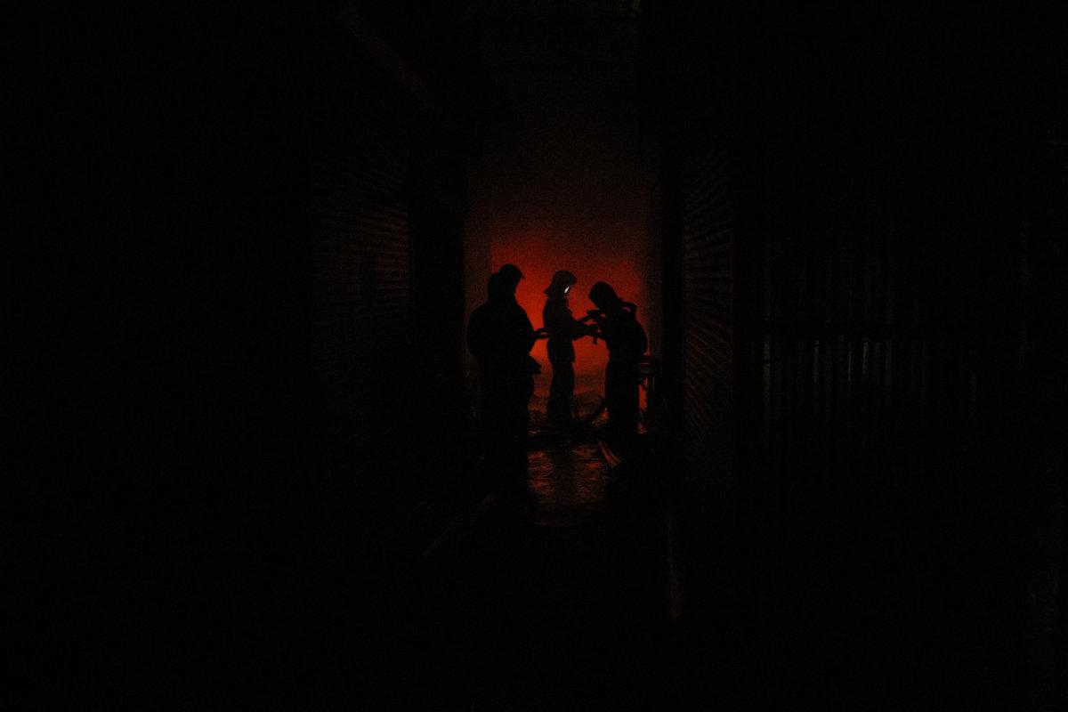 в темноте - Ежи Сваровский