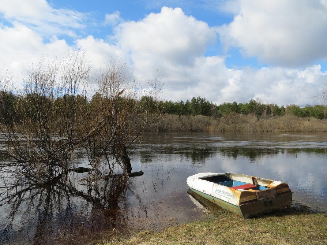 Весна на реке. - ВАЛЕНТИНА ИВАНОВА