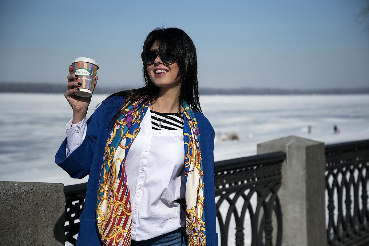 Утро, кофе, солнце - Julia C.