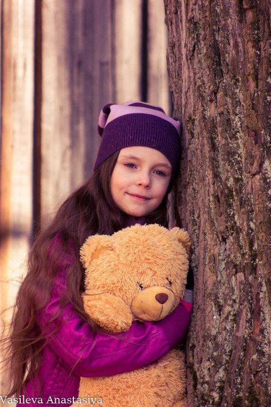 Доча и её любимый мишка - Анастасия