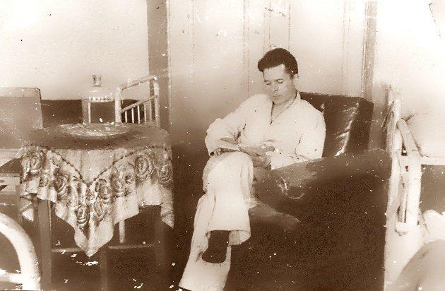 Март 1945 г. На лечении в госпитале после тяжёлого ранения. - юрий