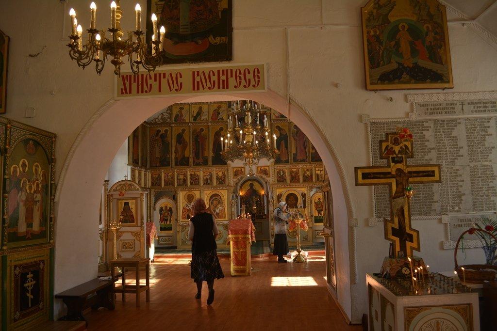 В церкви - Ирина Бархатова