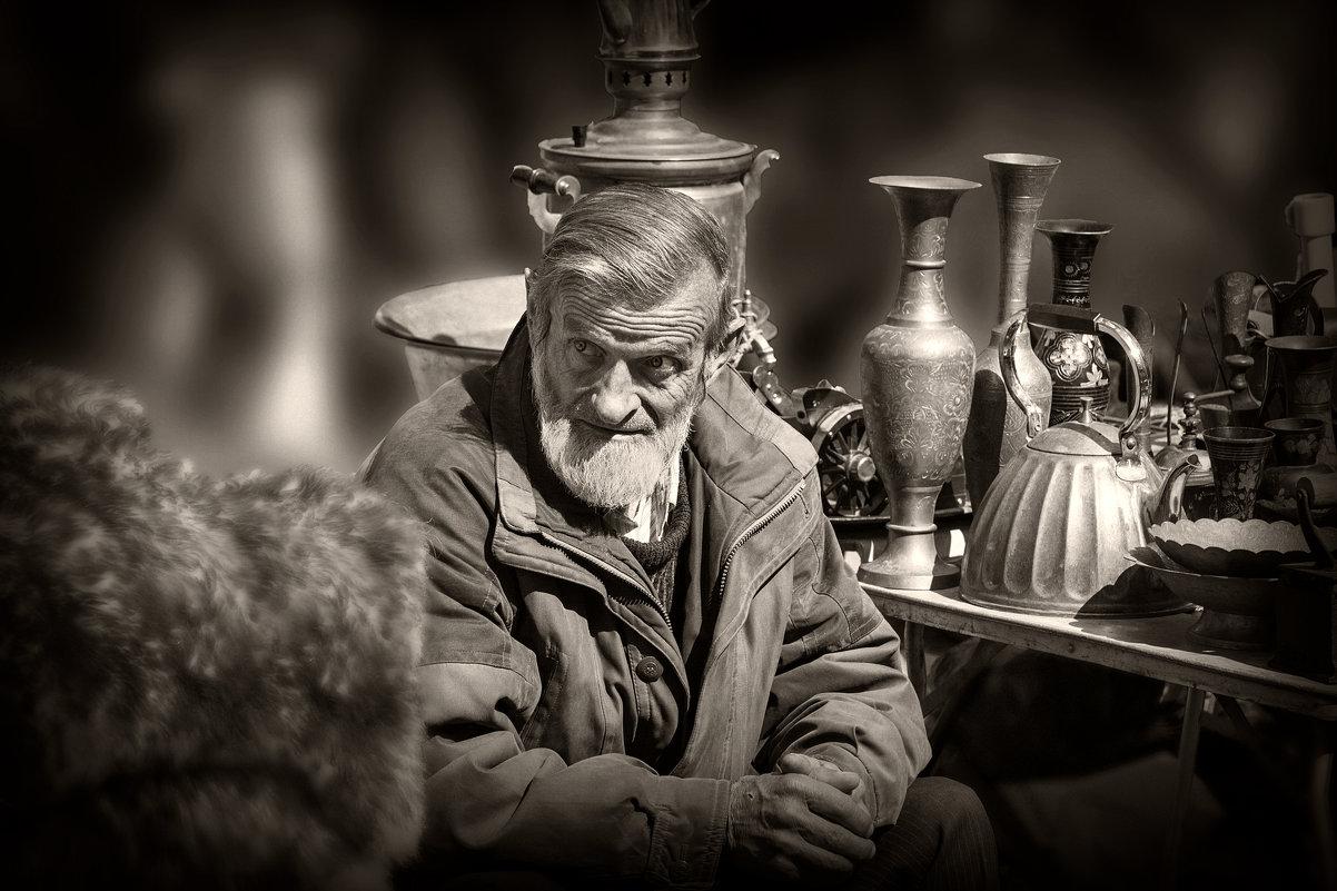 Продавец старины... - Юрий Гординский