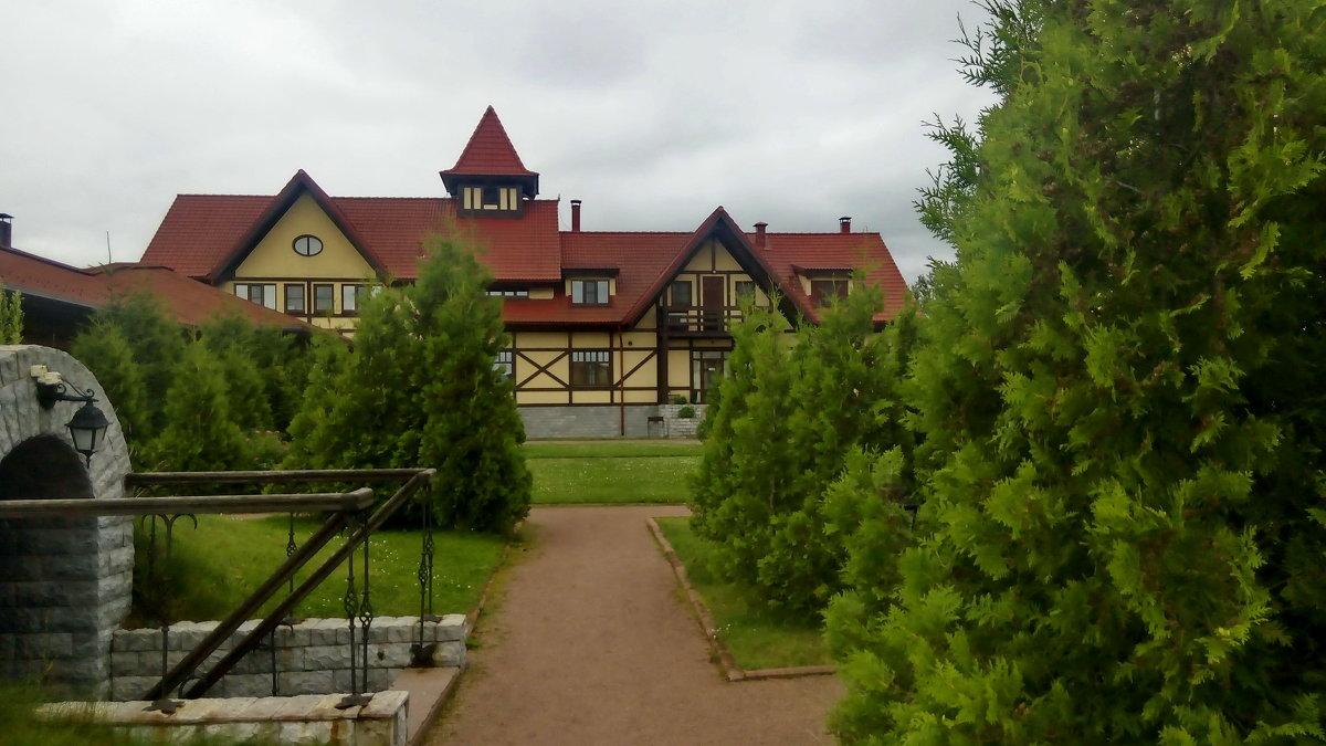 Территория базы отдыха - Светлана