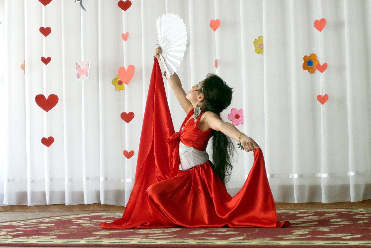 Испанский танец - Михаил Костоломов